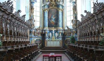 Chor mit Chorgestühl in der Pfarrkirche St. Magnus von Kloster Schussenried; Foto: Staatliche Schlösser und Gärten Baden-Württemberg, Ortsverwaltung Schussenried