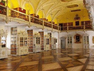 Bibliothekssaal im Kloster und Schloss Salem.