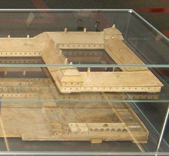 Kloster mit Wirtschaftsgebäuden, Modell von Jakob Emele um 1760