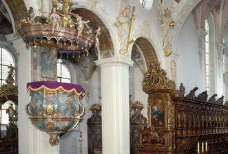 Pfarrkirche St. Magnus in Kloster Schussenried, Blick vom Mittelschiff ins linke Seitenschiff
